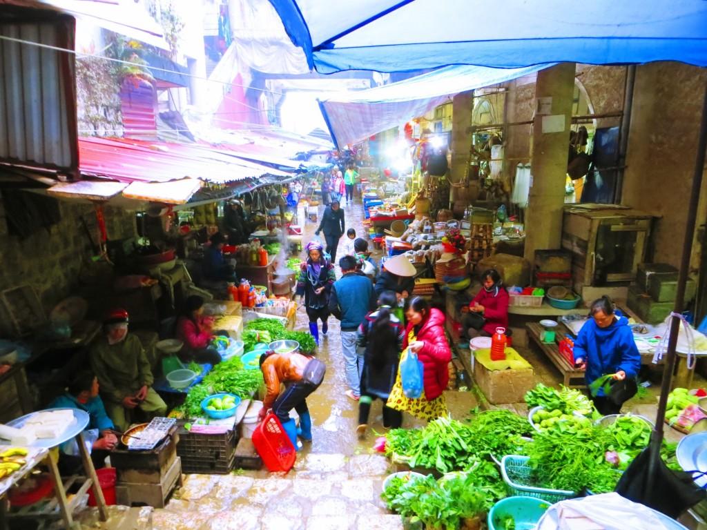 Travel VIetnam Sapa Market