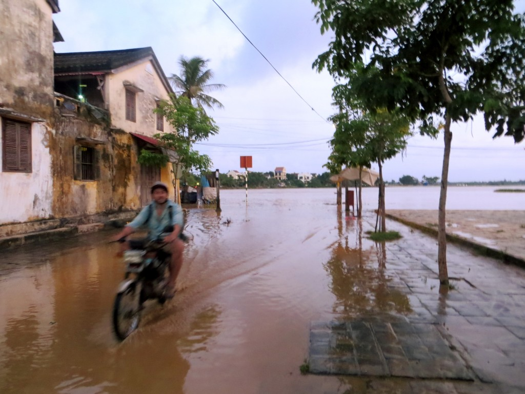Travel Vietnam Hoi An Flood