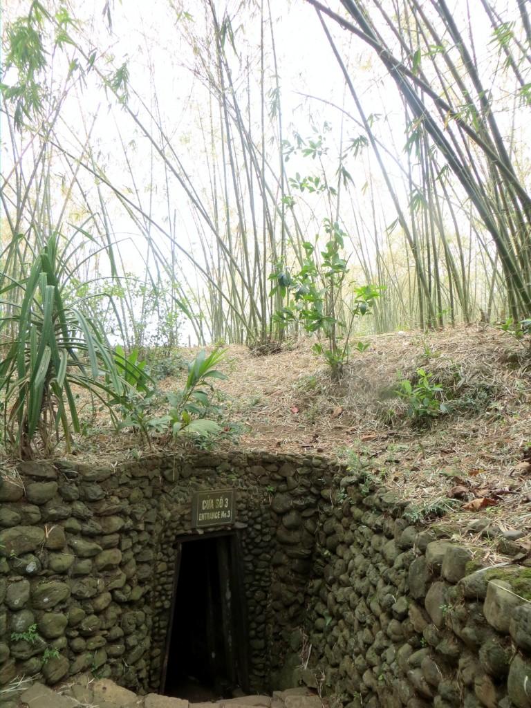 Travel Vietnam Vinh Moc tunnel entrance