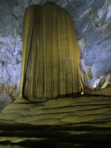 Travel Vietnam cave wow