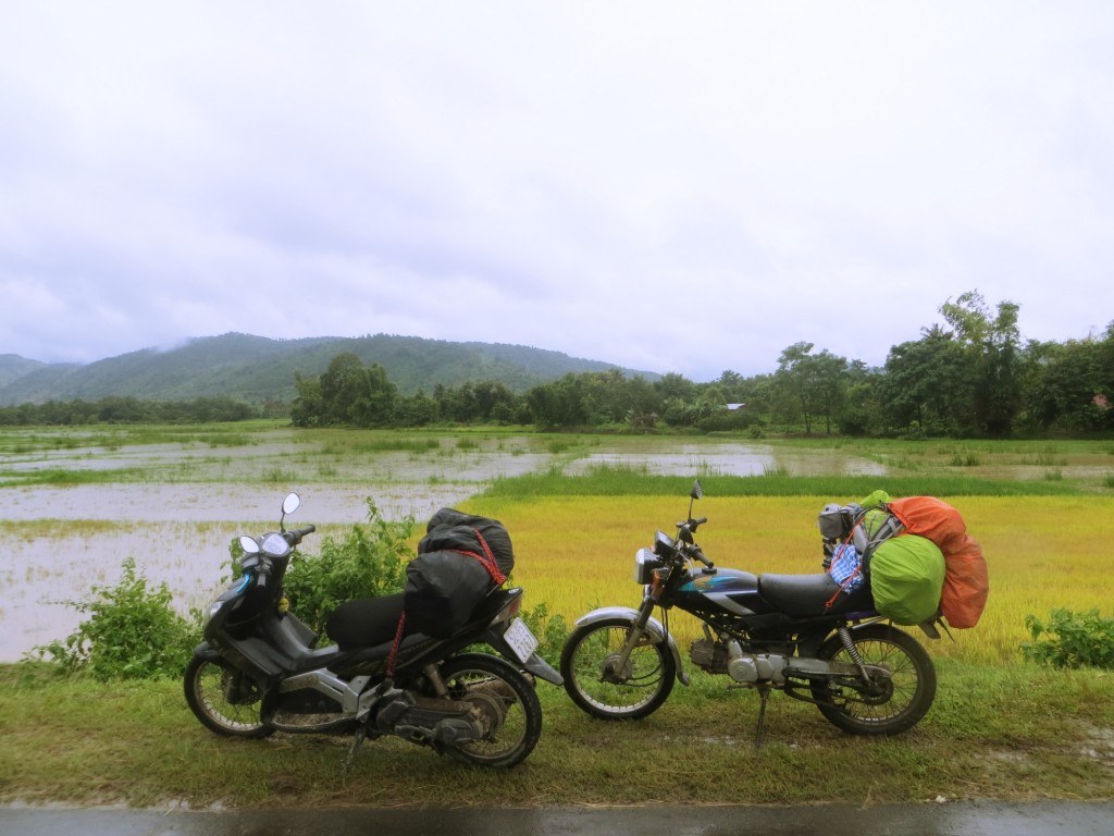 Travel Vietnam motorbiking