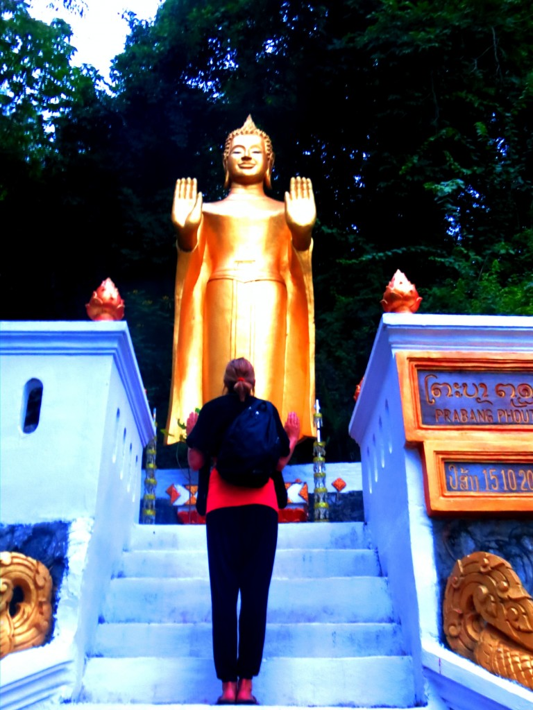Travel Laos Luang Prabang buddha kt