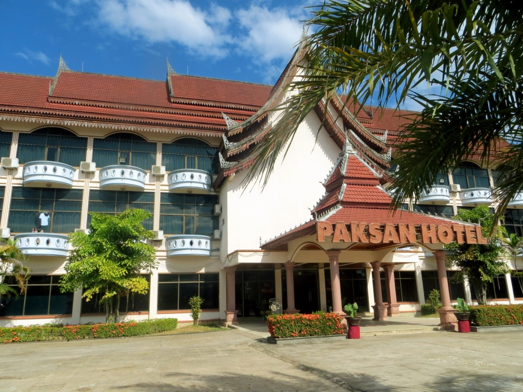 Travel Laos Paksan hotel
