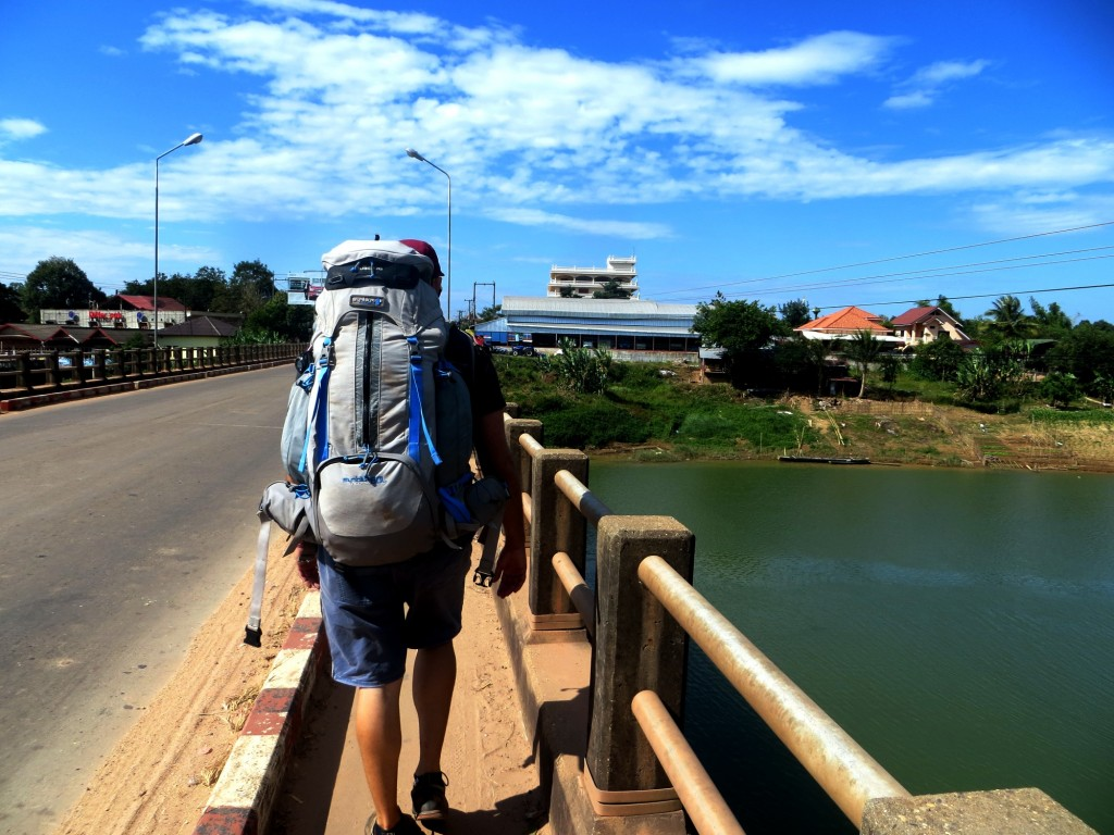 Travel Laos Paksan lou