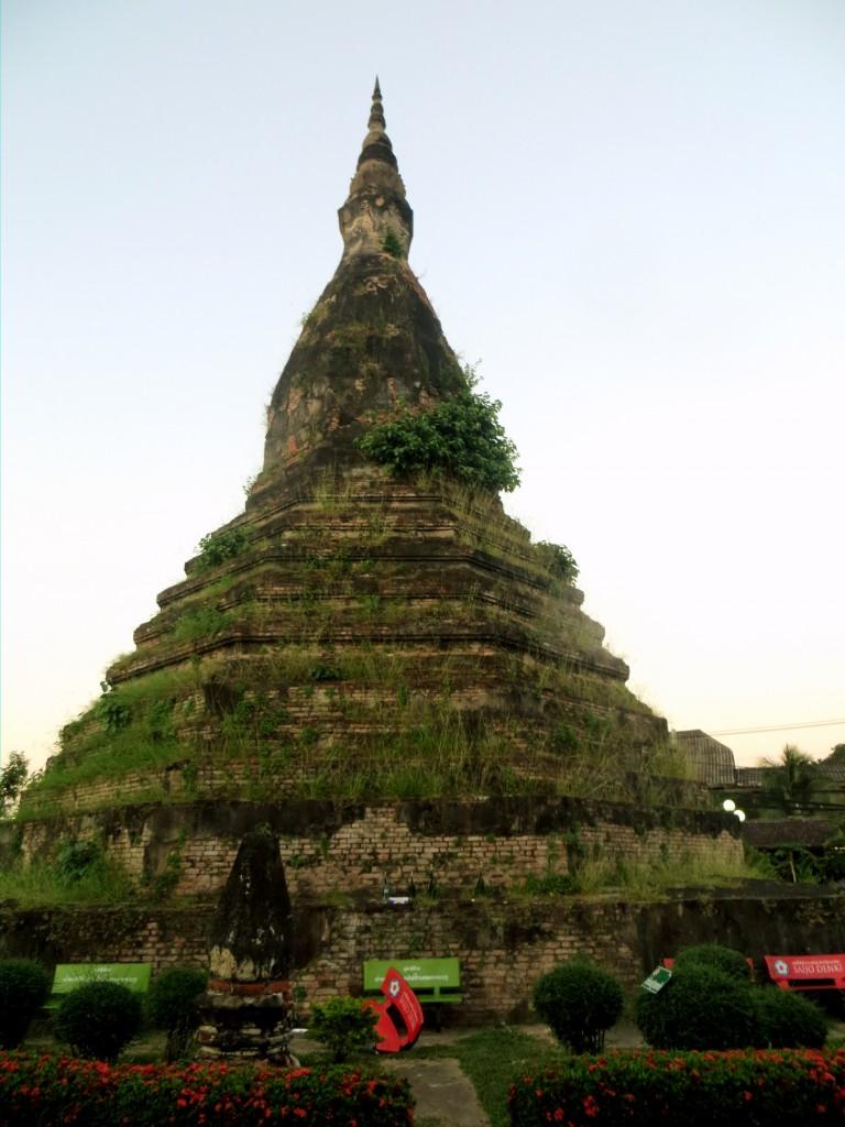 The stupa...ooohhh ahhhh