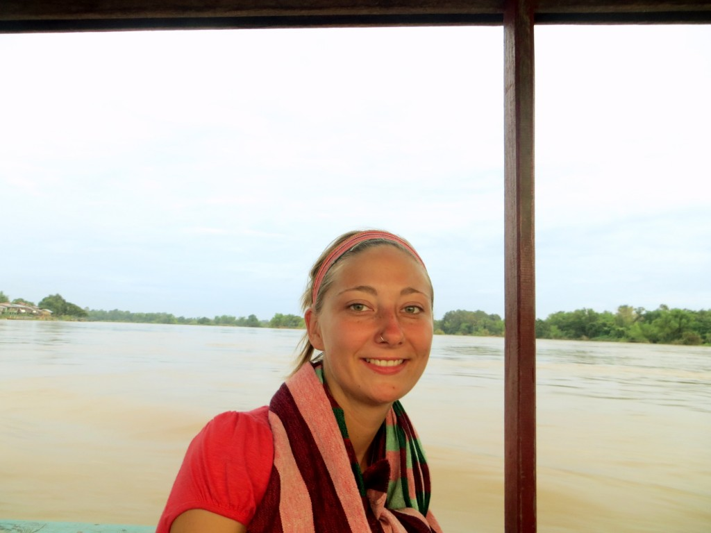 Travel Laos boat ride kt