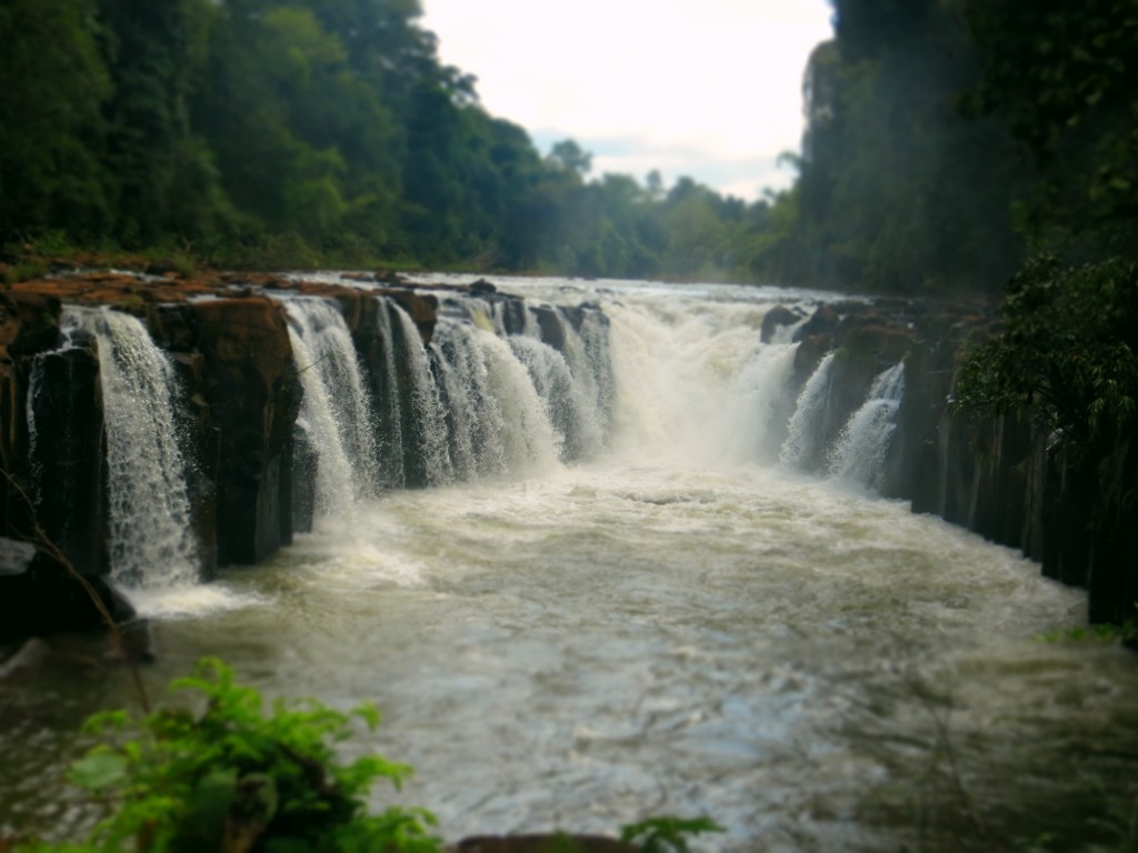 Travel Laos waterfalls